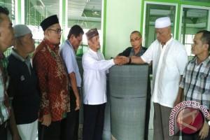 Pangkostrad Sumbang Ambal Masjid Pusat Pasar