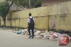 Tumpukan Sampah Ancam Kesehatan Warga