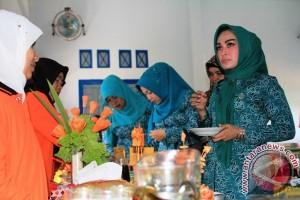 Ketua PKK Buka Lomba B2SA