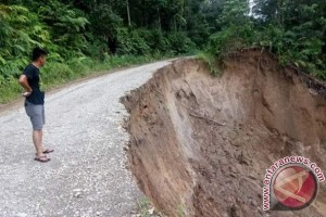 Jalan Longsor Silou Kahean Simalungun