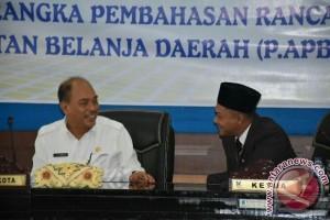 Walikota Sampaikan P.APBD