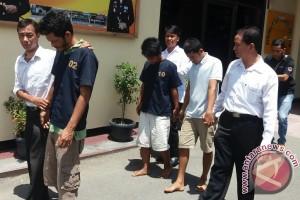 Polisi Tangkap 3 Pemakai Sabu