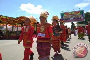 Masyarakat Terhibur Pawai Karnaval
